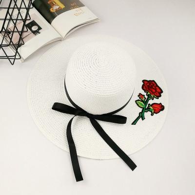 Шляпа женская летняя с Розой широкими полями и лентой белая