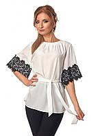 Красивая женская блуза с кружевом и под пояс белого цвета