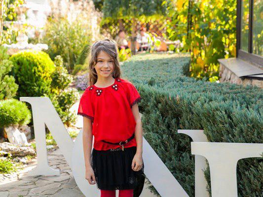 Красная школьная блузка с коротким рукавом р-р 122