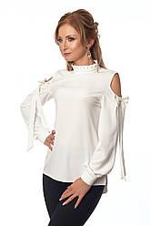 Стильная женская блуза молочного цвета из крепа