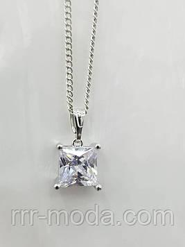 Квадратный кристалл - кулон из циркония с цепочкой. Кулоны оптом. 356