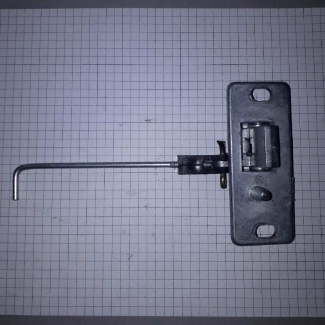 Планка средняя замка багажника Славута ЗАЗ 1103