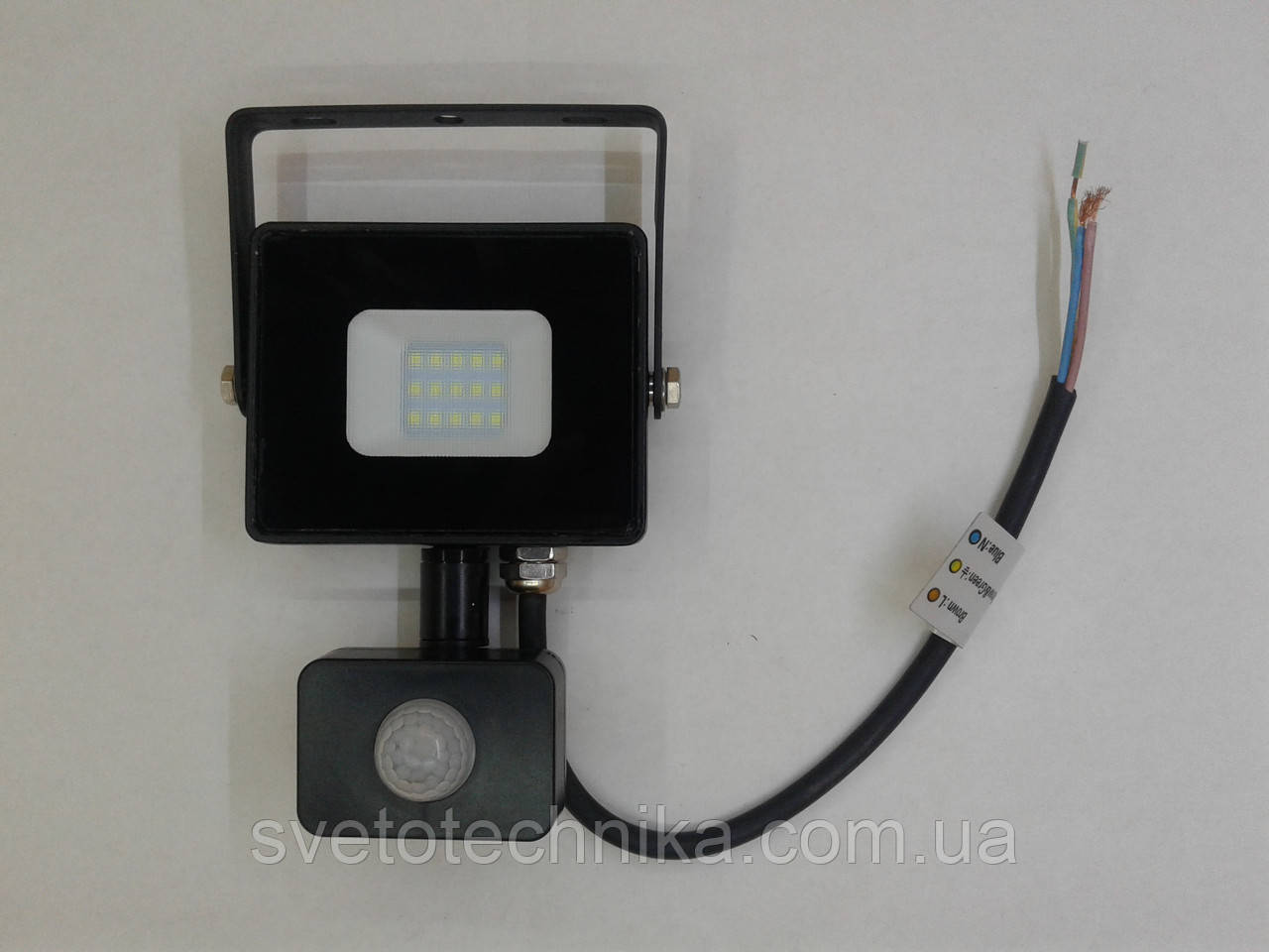 Прожектор светодиодный c датчиком Feron LL906 20W 6400K