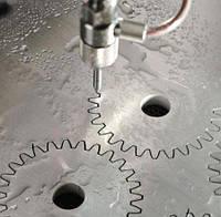 Фигурная обработка металлов: преимущества гидроабразивной резки