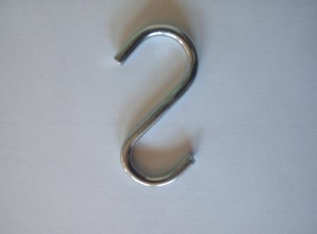 Торговий гачок S-подібний середній хромований висота 65мм