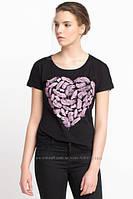 Черная женская футболка De Facto / Де Факто с рисунком-сердце на груди XS