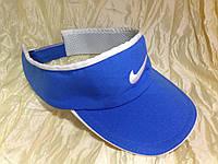 Голубой козырек с спортивным логотипом