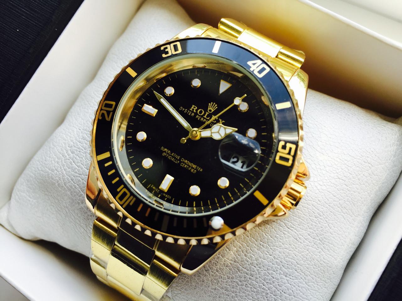 Мужские часы в корпусе из розового золота.