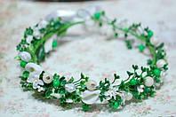 Венок с цветами и зеленью