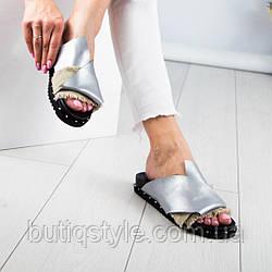 Женские шлепанцы серебро выполненные узлом. эко- кожа / коттон