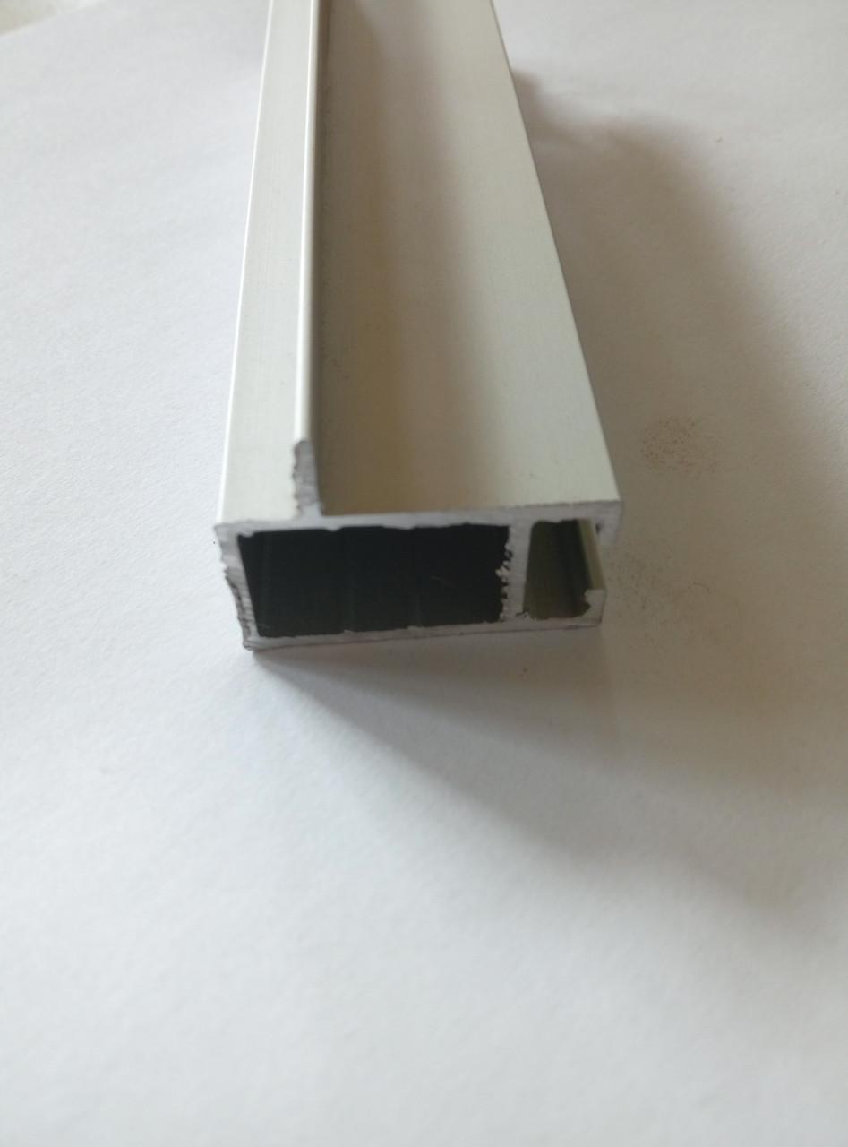 Торговий алюмінієвий профіль для вітрин і прилавків 2575