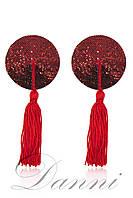Круглые пестисы красного цвета на грудь с кисточками