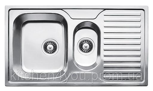Прямоугольная полуторная кухонная мойка  Fabiano 88х50х1,5 нержавеющая сталь, микродекор