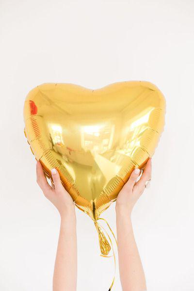 Фольгированный шар сердце золотое 43×48 см