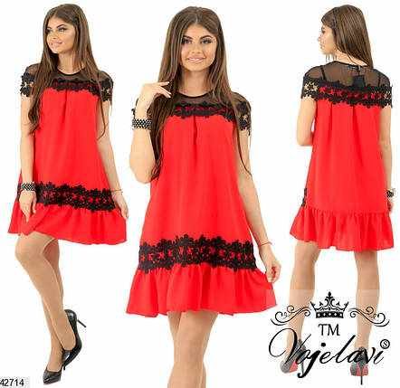 Летнее платье свободного кроя мини с коротким рукавом с кружевами красное, фото 2