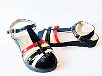 Босоножки женские лаковые на платформе черные Vichi