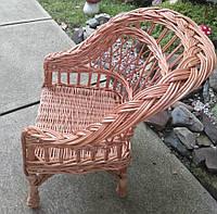 Детское плетеное кресло коричневое не высокое