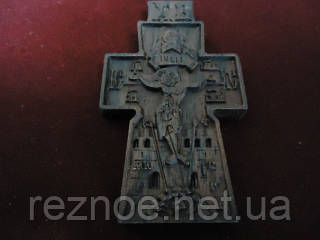 Крест нательный резной