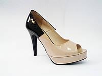 Лаковые польские женские бежевые модные стильные туфли на каблуке с открытым носком 36р Kati