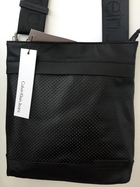 3bb1d47f7154 ... Квадратная мужская сумка через плечо Calvin Klein, перфорированная  кожа, ...