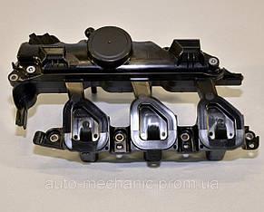 Клапанная крышка 2.0dci/2,3dci Trafic II/Vivaro A , Master III/ Movano B (8200924262) Renault