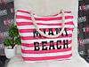 Женская розовая пляжная сумка с принтом.