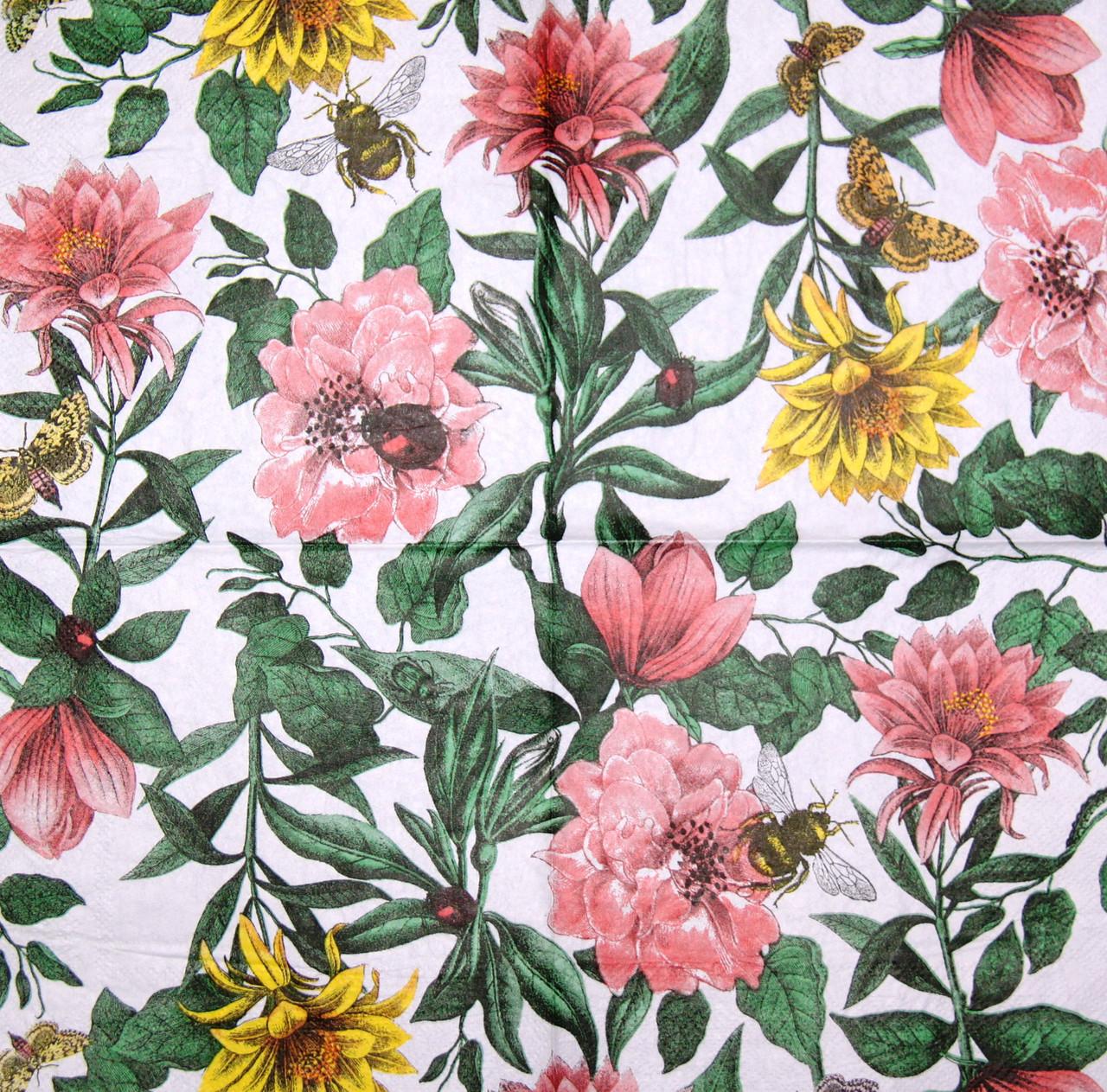 Декупажная салфетка Цветы, пчёлки и бабочки 7602