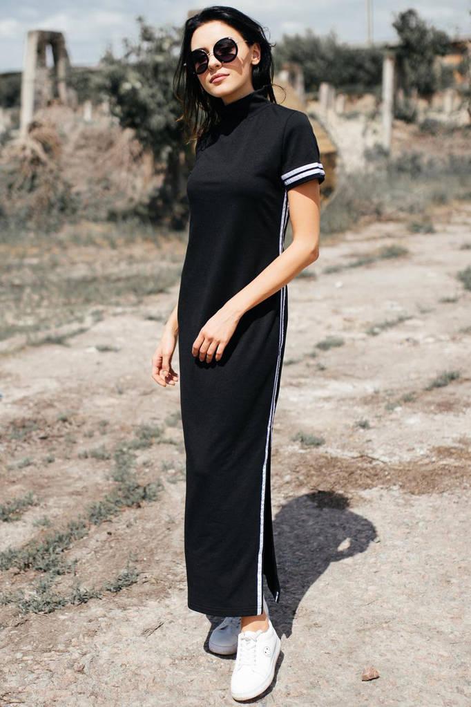 Чёрное хлопковое платье ALEXIS в стиле спорт-шик с разрезами и воротником стойкой
