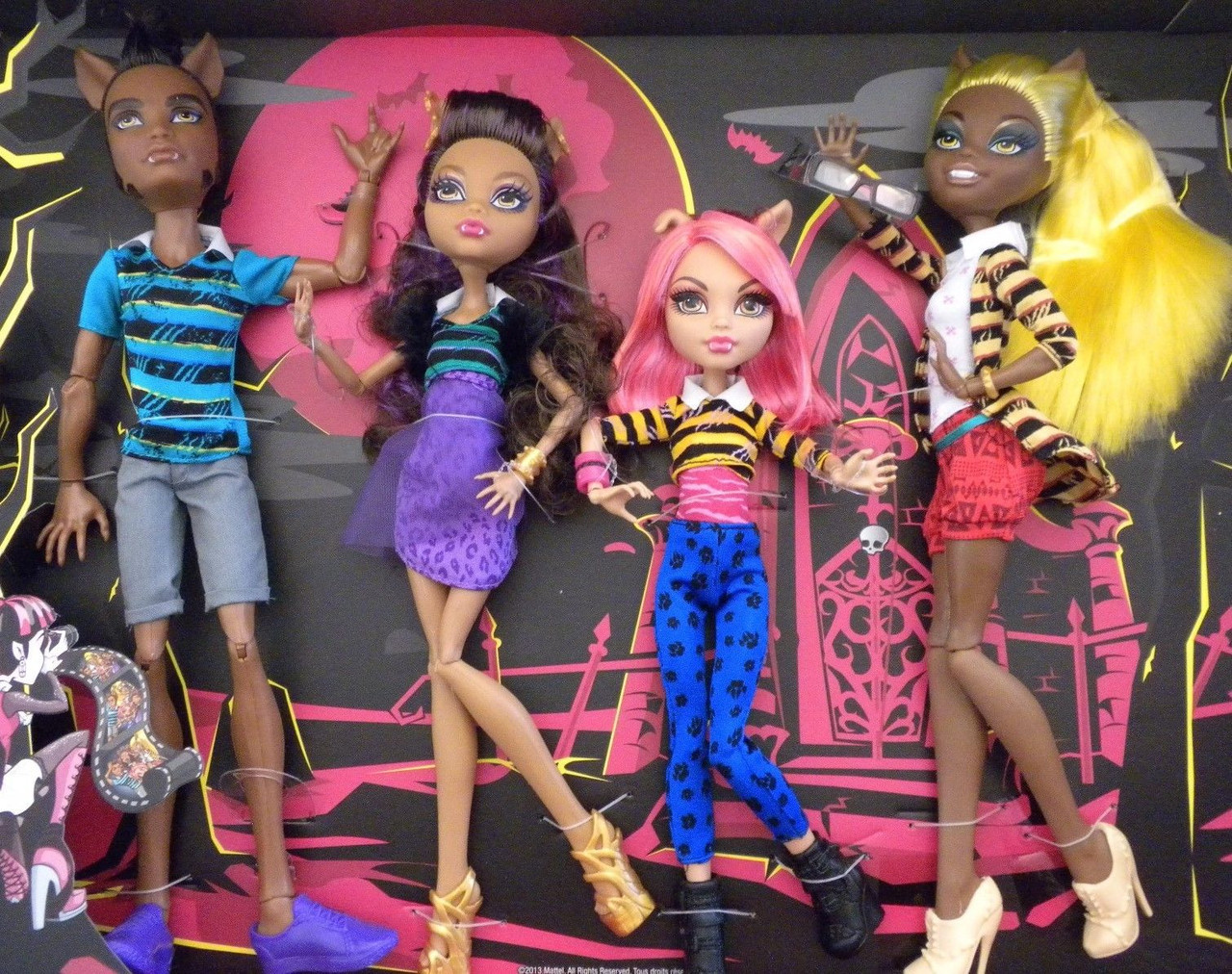 Wolf Family Toy : Сет семейка вульфов monster high wolf family a pack of