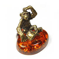 Фигурка Обезьяна для дома из бронзы и янтаря