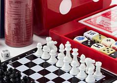 Игровые наборы (шахматы, покер, дартс, домино, дженга, игральные карты, нарды)