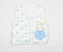 Утепленная жилетка бело-голубого цвета для мальчика