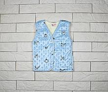 Утепленная жилетка голубым цветом на кнопках для мальчика
