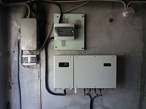 установлен сетевой солнечный инвертор Huawei Sun 2000 -33 KTL-А с блоком защиты