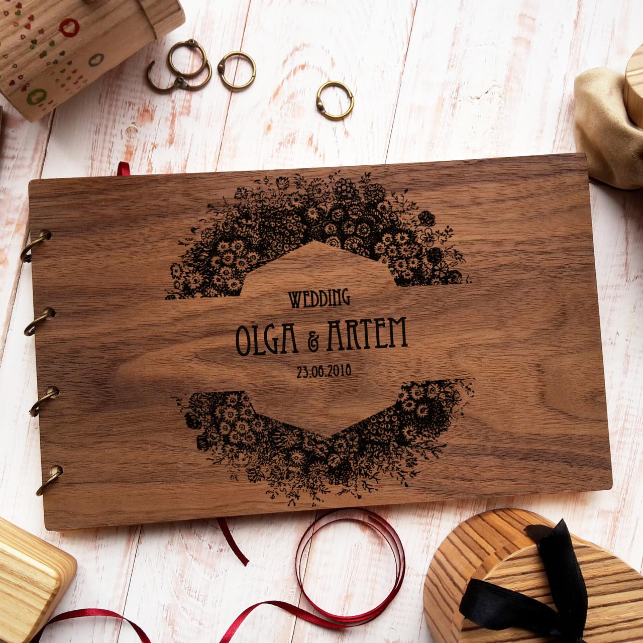 """Свадебная книга для поздравлений и пожеланий с деревянной обложкой """"Большой Венок"""""""