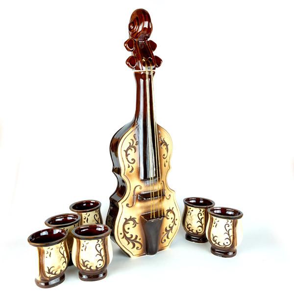 Скрипка - винный набор, бутылка и 6 рюмок