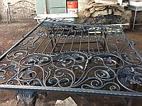 Распашные ворота с коваными элементами, фото 1