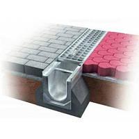 Встановлення бетонного відливу в тротуарі