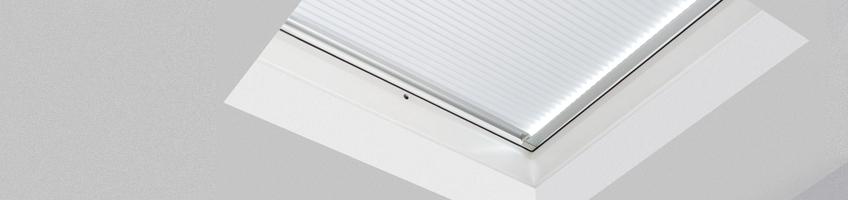 Штора (к окнам для плоских крыш) Fakro APF/D II 120х120 см
