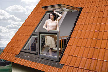 Мансардное окно-балкон Fakro FGH-V P2 Galeria 94х255 см, фото 2