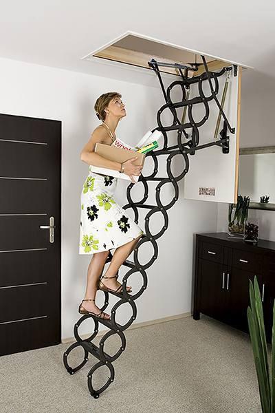 Металлическая раздвижная чердачная лестница FAKRO LST 60х120 (250-280 см)