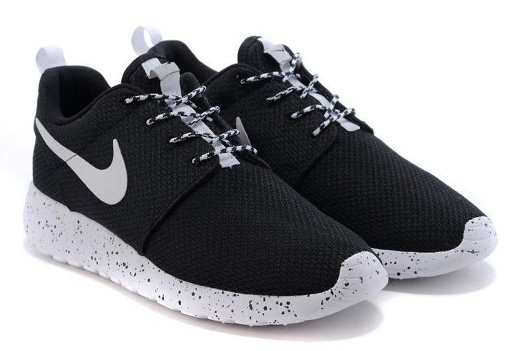 Кроссовки Nike Roshe Run Black White Черные мужские