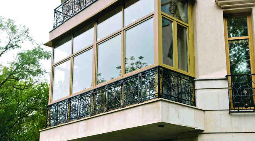 Как выбрать  французский балкон