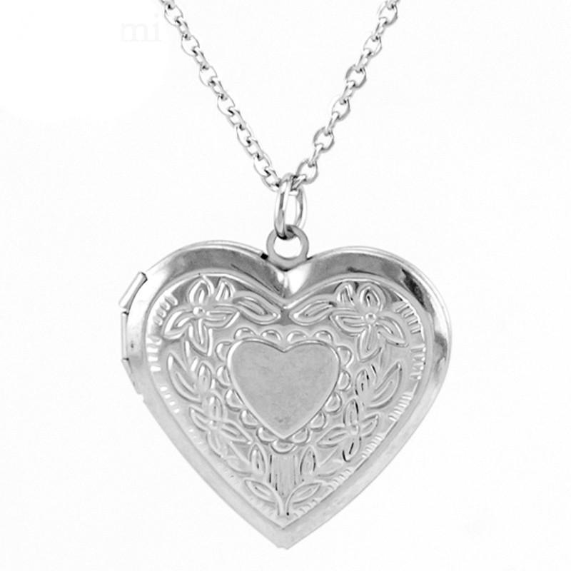 Медальон сердце с местом для фото внутри с цветочным узором серебристый