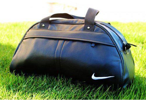 Спортивная сумка Nike из чёрного кожзама с белой нашивкой, Найк ( код: IBS035BO )