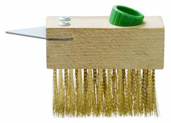 Щетка деревянная проволочная со скребком для брусчатки