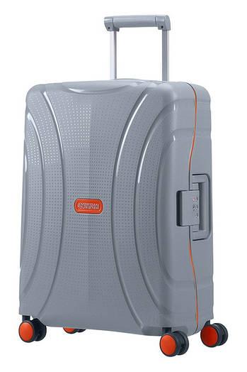 Маленький пластиковый чемодан American Tourister Lock'n'roll на 4-х колёсах