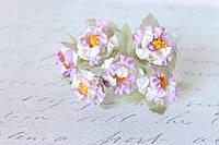 Декоративные цветочки магнолии 6 шт. 3 см бело-сиреневого цвета, фото 1