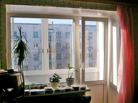 Балконный блок металлопластиковый окна на балкон лоджию Рехау Rehau 70
