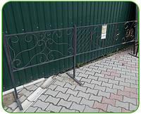 Оградка на кладбище (кованый металл)